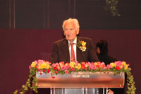 Sir Richard Doll, Laureate of the Shaw Prize in Life Science and Medicine 2004