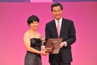 2012年度邵逸夫天文学奖得奖人刘丽杏教授